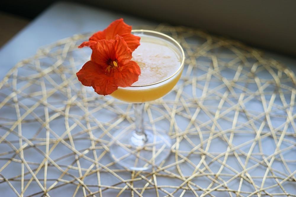 Shochu Cocktail Recipe: Peach Shochu Smash