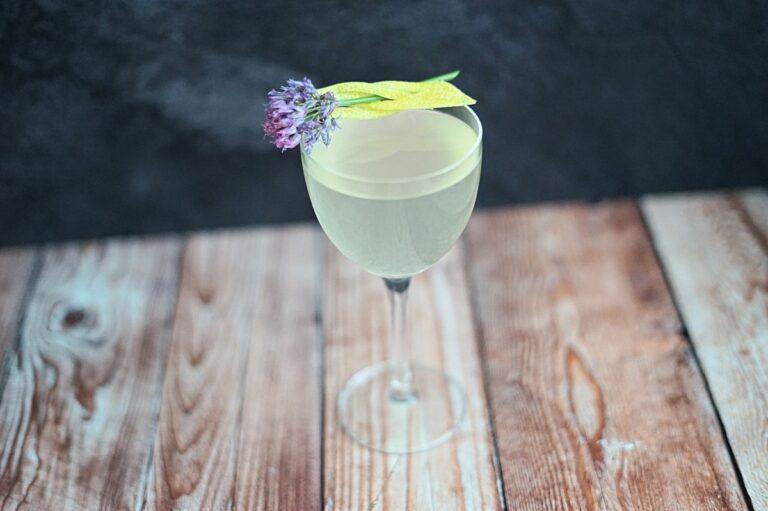 Shochu Cocktail Recipe: French 75 J