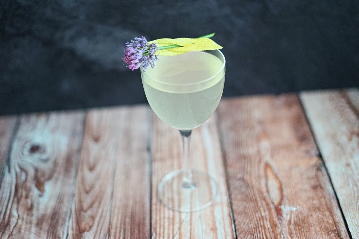 Classic cocktail french 75 nankai shochu